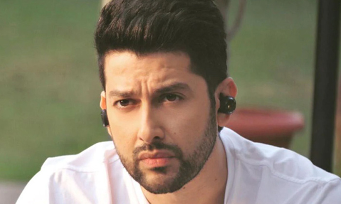 TeluguStop.com - Another Bollywood Actor Tests Positive For Covid19