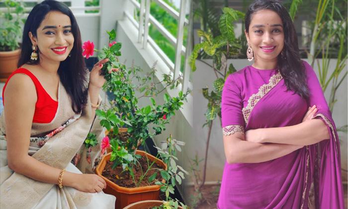 Anchor Vindhya Medapati Glamorous Images - Telugu Anchor Vindhya Medapati Cute Candid Clicks Images Beautiful Latetst High Resolution Photo