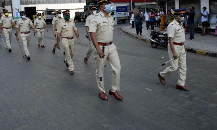 TeluguStop.com - పోలీసులపై కరోనా రక్కసి…ఏకంగా 234 మంది…-General-Telugu-Telugu Tollywood Photo Image