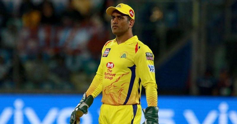 TeluguStop.com - Csk Vs Rr, Ipl 2020: Dhoni Repeats The Same Mistake