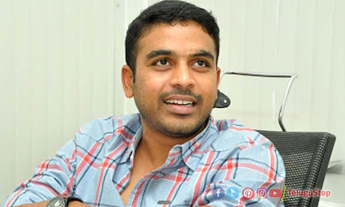 TeluguStop.com - ఇలా అయితే కష్టమే.. రాధేశ్యామ్ డైరెక్టర్కు ఫ్యాన్స్ విజ్ఞప్తి-Breaking/Featured News Slide-Telugu Tollywood Photo Image