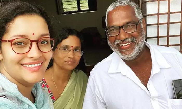 TeluguStop.com - రేణు దేశాయ్ సినిమా పనులు ఎంత వరకు వచ్చాయంటే..-Breaking/Featured News Slide-Telugu Tollywood Photo Image