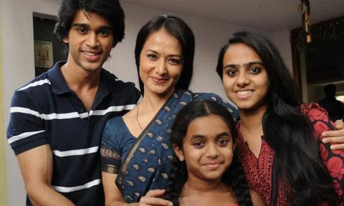 TeluguStop.com - బిగ్ బాస్ అభిజిత్ కు, అక్కినేని ఫ్యామిలీకి ఉన్న అనుబంధమిదే-Latest News - Telugu-Telugu Tollywood Photo Image