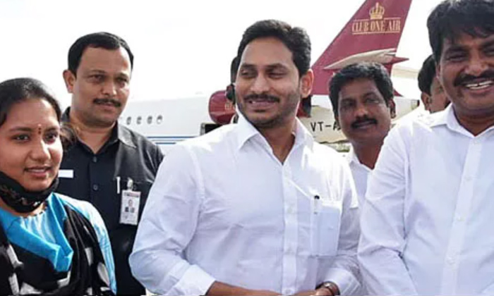 TeluguStop.com - మూర్ఖత్వానికి ప్రతిరూపం జగన్ అంటున్న లోకేష్ బాబు-Latest News - Telugu-Telugu Tollywood Photo Image