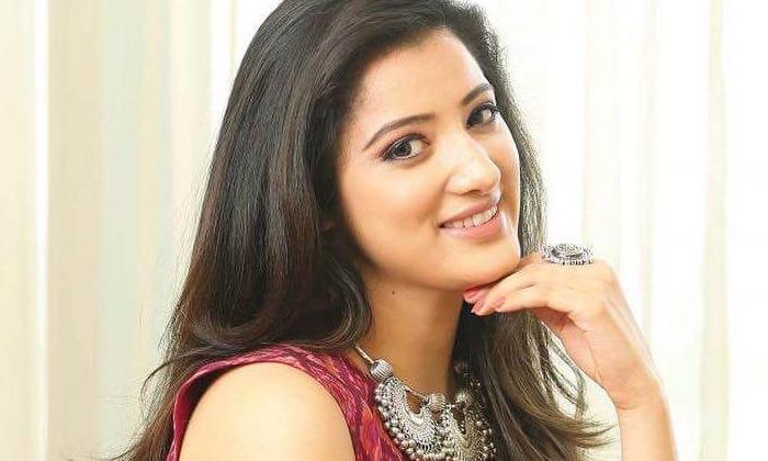 TeluguStop.com - Yamudiki Mogudu' Actress To Romance Rajasekhar-Latest News English-Telugu Tollywood Photo Image