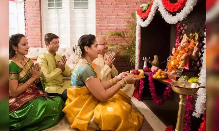 TeluguStop.com - ఈరోజు ఆకుపచ్చ దుస్తులు ధరించి పూజ చేస్తే ఎన్ని లాభాలో తెలుసా-Latest News - Telugu-Telugu Tollywood Photo Image