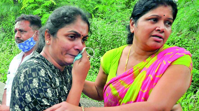 TeluguStop.com - Hyderabad Honor Killing Incident: Avanti Urges KCR To Encounter Her Parents-General-English-Telugu Tollywood Photo Image