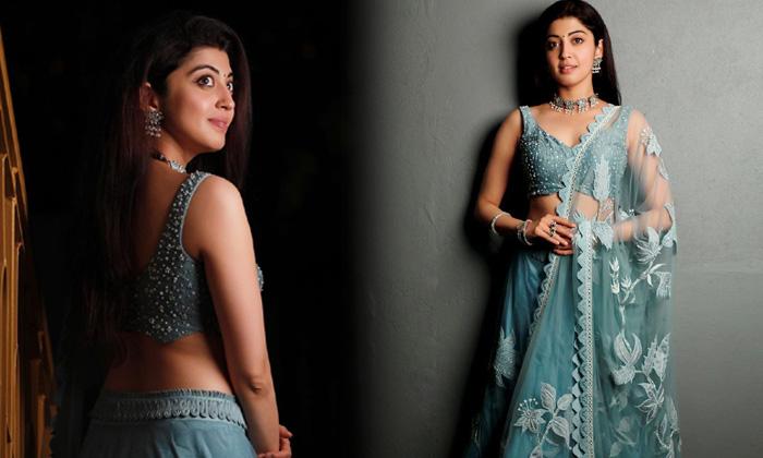 Actress Pranitha Subhash Captivating Clicks-telugu Actress Hot Photos Actress Pranitha Subhash Captivating Clicks - Telu High Resolution Photo