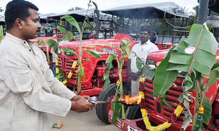 TeluguStop.com - ఆయుధ పూజను ఎందుకు చేస్తారు ఎలా చేస్తారు-Latest News - Telugu-Telugu Tollywood Photo Image