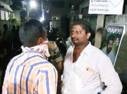 TeluguStop.com - వైసీపీ ఎంపీ నందిగం సురేష్పై దాడికి యత్నం -Latest News - Telugu-Telugu Tollywood Photo Image