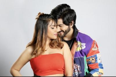 TeluguStop.com - Naagin Star Dheeraj Dhoopar: Music Videos Provide Creative Liberty-Cinema/ShowBiz News-Telugu Tollywood Photo Image