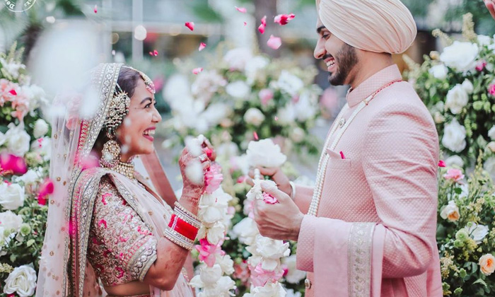 Pictures From Neha Kakkar And Rohanpreet Singh's Wedding Ceremonies-telugu Actress Hot Photos Pictures From Neha K High Resolution Photo
