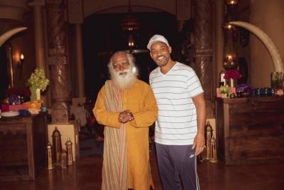TeluguStop.com - When Sadhguru Met Will Smith-Cinema/ShowBiz News-Telugu Tollywood Photo Image