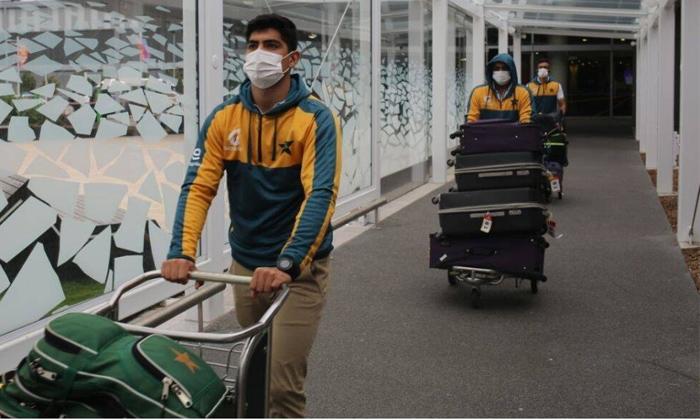 Telugu 6 Pakistan Cricketers Tested Covid-19 Positive In New Zealand, Pakistan Cricket Team, Pakistan New Zealand Tour, Ttwenty Cricket In New Zealand-Latest News - Telugu
