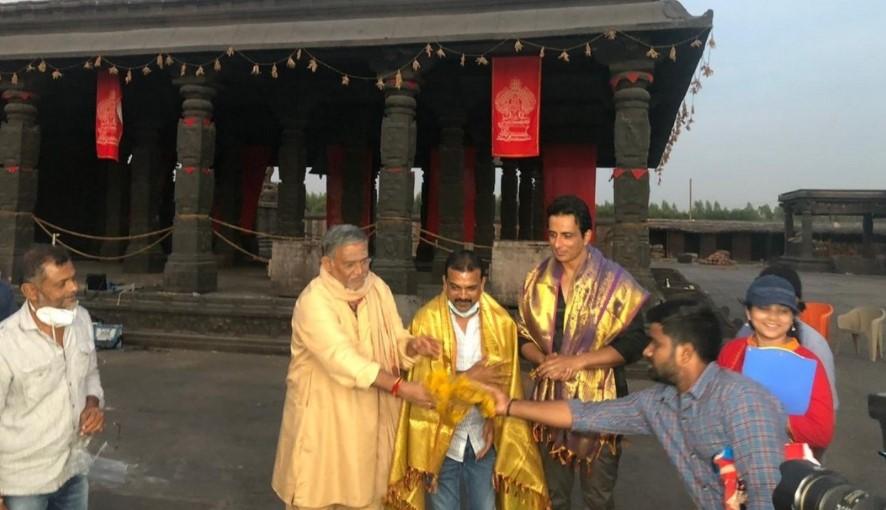 TeluguStop.com - Aacharya: Sonu Sood Receives Heroic Applause-General-English-Telugu Tollywood Photo Image