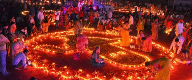 TeluguStop.com - కార్తీకమాసంలో ఏ రోజు ఏం దానం చేయాలో తెలుసా-Devotional-Telugu Tollywood Photo Image