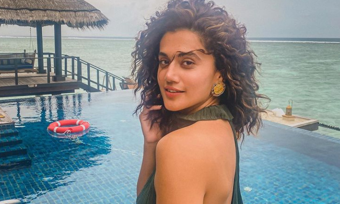Telugu Actress Tapsee About Skin Show In Film Industry, Beauty Is Not In Dress, Bikini, Tapsee Maldives Photos, Tapsee Pannu, Tollywood, Tollywood Actress Tapsee-Movie