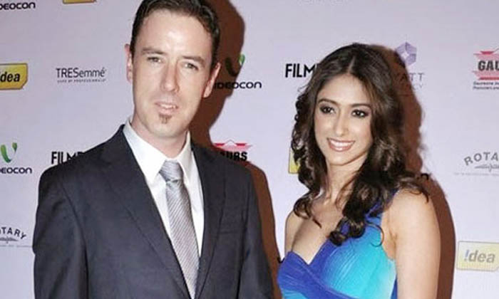 Telugu Andrew Kneebone, Ileana D Cruz, Ileana Love Breakup News, Photo Grapher, Telugu Heroine Ileana D \\'cruz And Andrew Kneebone Love Breakup News, Tollywood, Tollywood Heroine-Movie