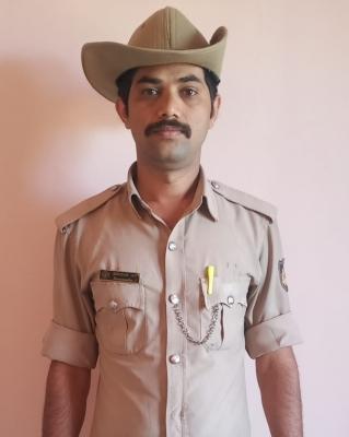 TeluguStop.com - B'luru Police Nab 2 With 6kg Unaccounted Gold Ornaments-Crime News English-Telugu Tollywood Photo Image