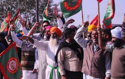 TeluguStop.com - Farmers Continue To Protest At Tikri Border, Situation Peaceful-Latest News English-Telugu Tollywood Photo Image