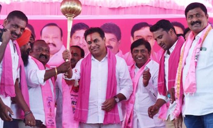 TeluguStop.com - 51 స్థానాలను ఎఐఎం పార్టీకి టీఆర్ఎస్ వదిలేసినట్టేనా-Latest News - Telugu-Telugu Tollywood Photo Image