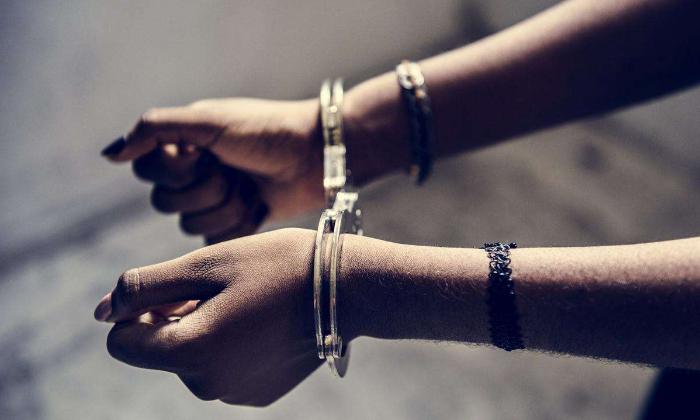 TeluguStop.com - పాపం… పని ఇప్పిస్తామని తీసుకొచ్చి యువతులతో బలవంతంగా…-Latest News - Telugu-Telugu Tollywood Photo Image