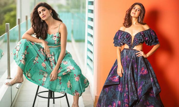 Stunning Actress Aahana S Kumra Cute Candid Clicks-telugu Actress Hot Photos Stunning Actress Aahana S Kumra Cute Candid High Resolution Photo