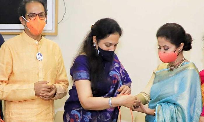 Telugu Maharastra, Siva Sena, Uddavu Thakre, Urmila Matondkar-Telugu Political News