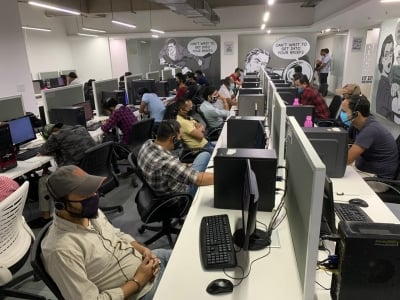 TeluguStop.com - Fake Call Centre Busted In Gurugram-Crime News English-Telugu Tollywood Photo Image