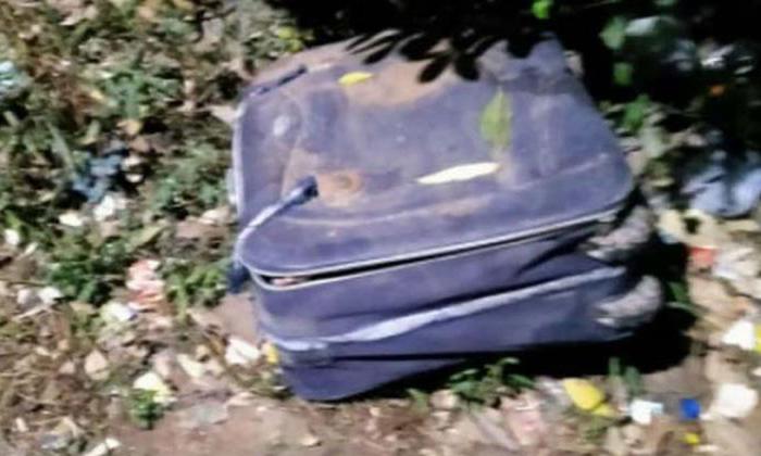 Telugu Crime, Dead Body, Dead Body Found In Suit Case, Dead Body In Suitcase, Hyderabad, Minors Killed Man, Rajendra Nagar, Suitcase, Thieves-Telugu Crime News(క్రైమ్ వార్తలు)